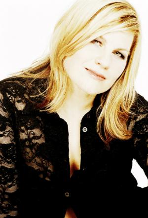 Interview mit Kara Johnstad - Vom Sonderling zur Stimmgröße | Carina Riethmüller www.beingcarried.com