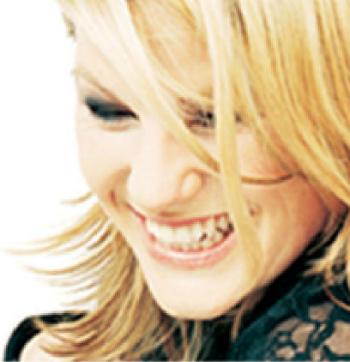 Singer-songwriter Kara Johnstad, photo by Jörg Grosse-Geldermann