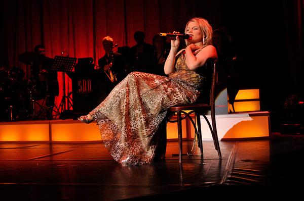 Kara Johnstad in concert, photo by Ladies Of Swing