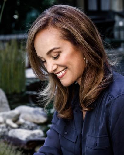 Lisbeth Scott | Voice Rising Radio Show hosted by Kara Johnstad